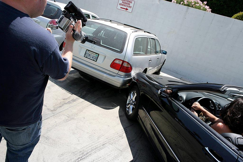 """Britney hits another car after swinging too wide into a parking space. MBF/<a href=""""http://www.x17online.com"""" target=""""new"""">X17 Online</a> - August 6, 2007"""