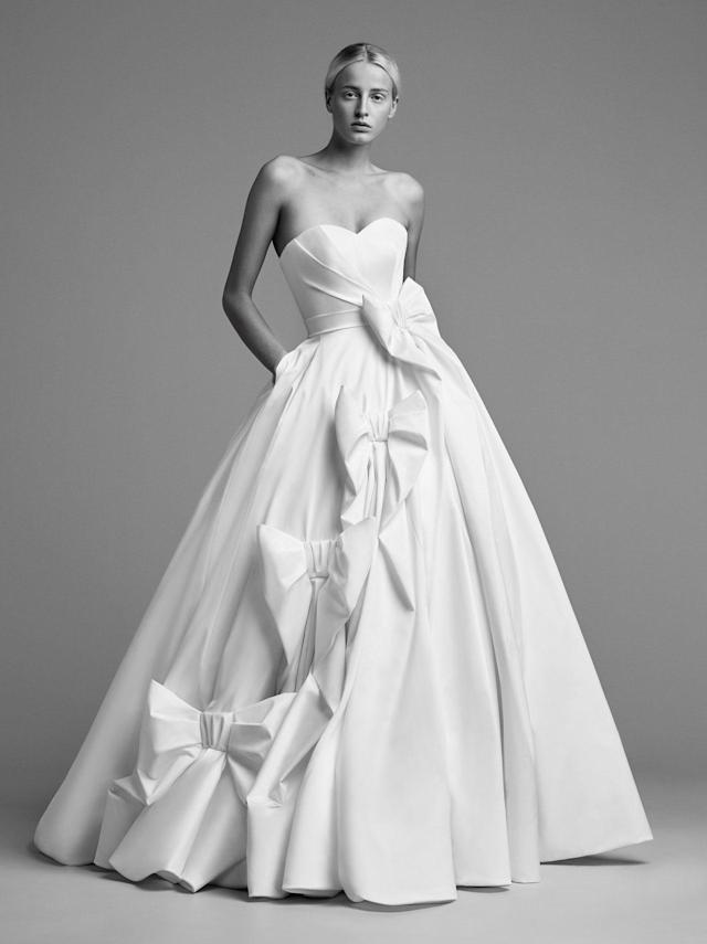 <p>Strapless voluminous ball gown with bows. (Photo: Marijke Aerden) </p>