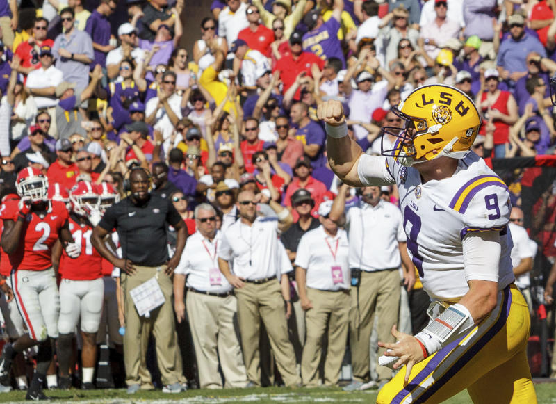 LSU quarterback Joe Burrow celebrates a touchdown.