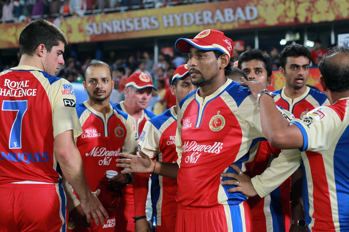 Disappointed RCB players after losing the game during match 7 of the Pepsi Indian Premier League between The Sunrisers Hyderabad and Royal Challengers Bangalore held at the Rajiv Gandhi International Stadium, Hyderabad on the 7th April 2013. Photo by Jacques Rossouw - SPORTZPICS - IPL  ..Use of this image is subject to the terms and conditions as outlined by the BCCI. These terms can be found by following this link:..https://ec.yimg.com/ec?url=http%3a%2f%2fwww.sportzpics.co.za%2fimage%2fI0000SoRagM2cIEc&t=1506333567&sig=M4vltBvS6W_3XCNei_j2XQ--~D