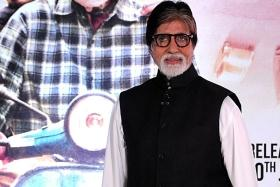 Amitabh Bachchan backs Metro, gets Twitter flak