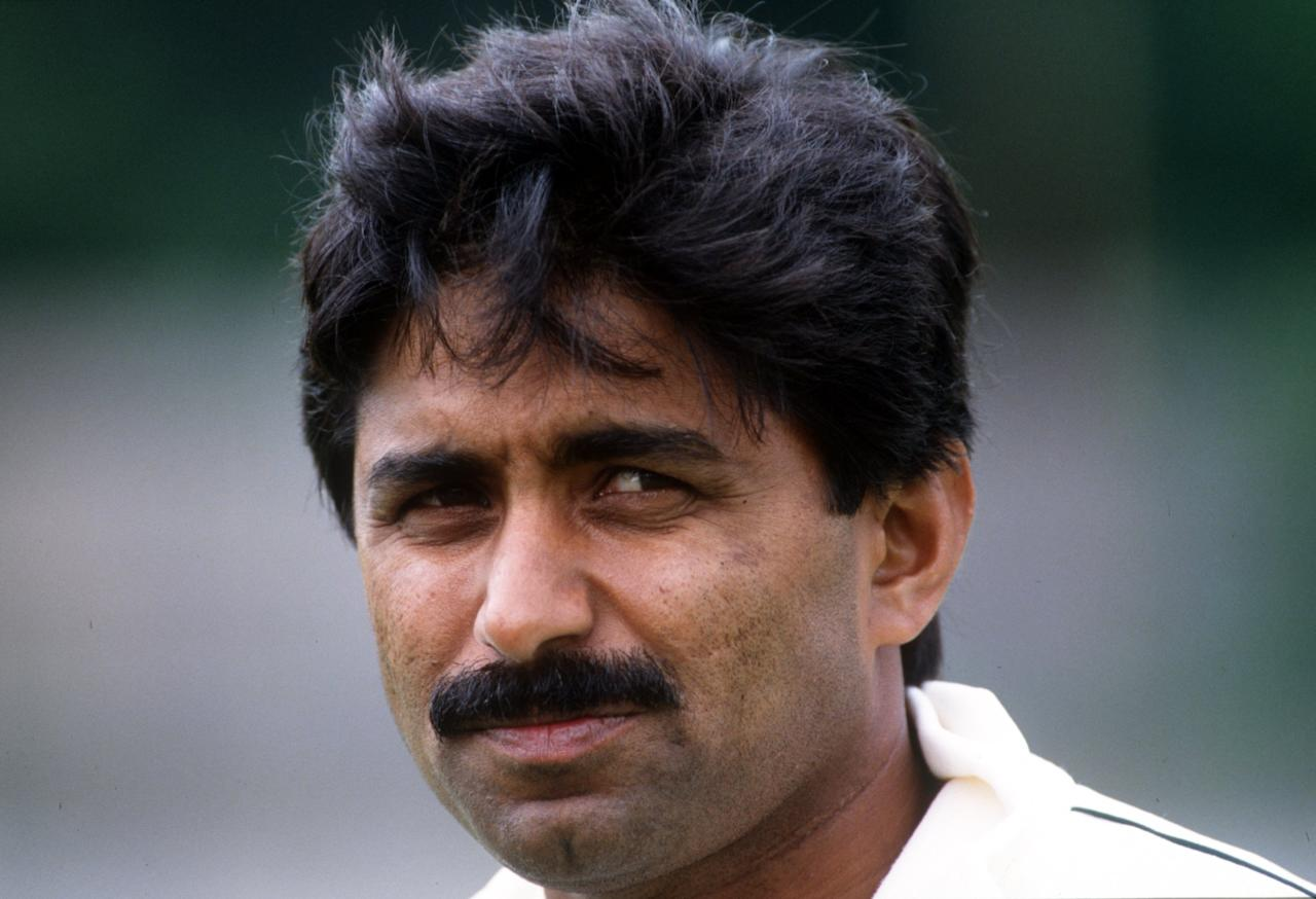 JULY 1992:  A PORTRAIT OF PAKISTAN CRICKET CAPTAIN JAVED MIANDAD. MIANDAD ANNOUNCED HIS RETIREMENT FROM INTERNATIONAL CRICKET AFTER THE PAKISTAN SELECTOR's BOARD DID NOT INCLUDE HIM IN THE TEAM FOR THE FORTHCOMING TESTSERIES AGAINST AUSTRALASIA. Mandatory Credit: Adrian Murrell/ALLSPORT