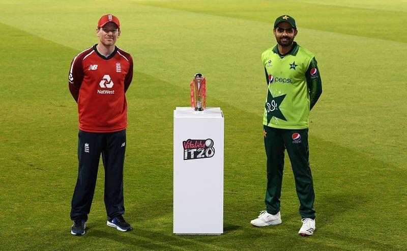 Babar Azam (R) and Eoin Morgan (L) ahead of the third T20I which Pakistan won by 5 runs