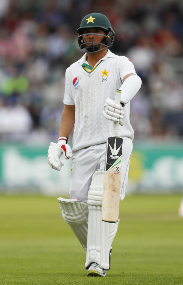 Britain Cricket - England v Pakistan - Second Test - Emirates Old Trafford - 24/7/16 Pakistan's Yasir Shah looks dejected after losing his wicket Action Images via Reuters / Jason Cairnduff Livepic