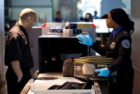 U.S. mulling expansion of laptop flight ban to Europe