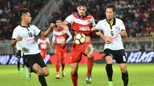 <p>Final day battle for 3 teams to stay in the Super League</p>