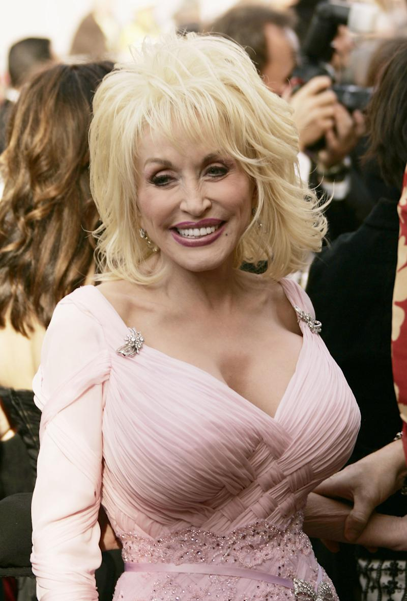 Dolly Parton To Be Honored At Cma Awards