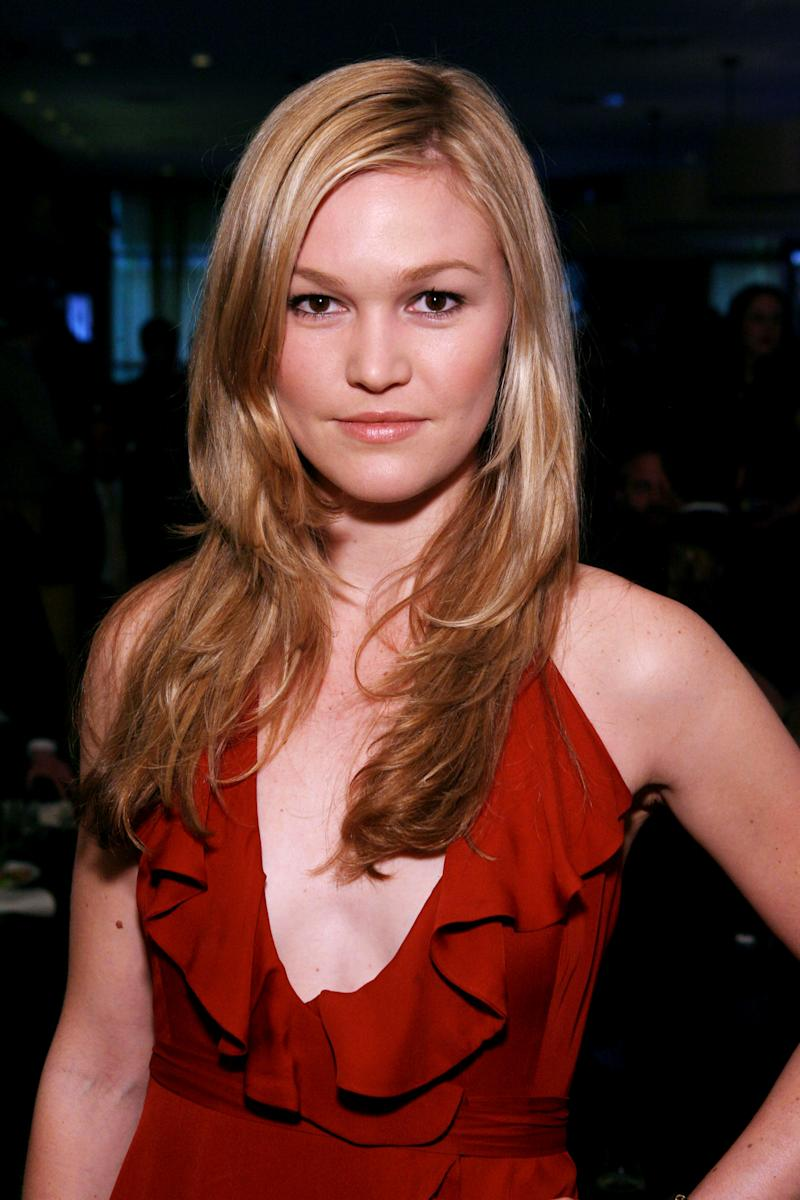 "FILE - In this March 7, 2010 file photo originally released by InStyle, actress Julia Stiles is seen at the InStyle Oscar Party in Los Angeles. Stiles will join comedian-actor Dane Cook and actor Josh Hamilton in the Broadway production of Neil LaBute's ""Fat Pig,"" at Broadway's Belasco Theatre in April. (AP Photo/InStyle, Casey Rodgers, file)"