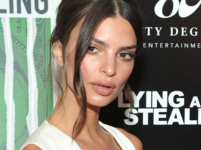 Emily Ratajkowski : son improbable bikini en vacances aux Bermudes ! (PHOTO)