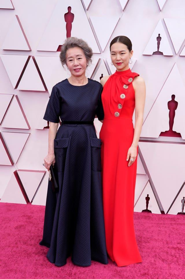 Youn Yuh-jung, left, and Han Ye-ri at the 93rd Academy Awards
