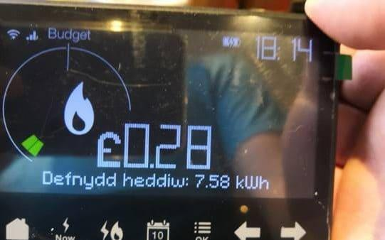 Many smart meter owners have reported their meters randomly changing to Welsh - Moneysavingexpert.com