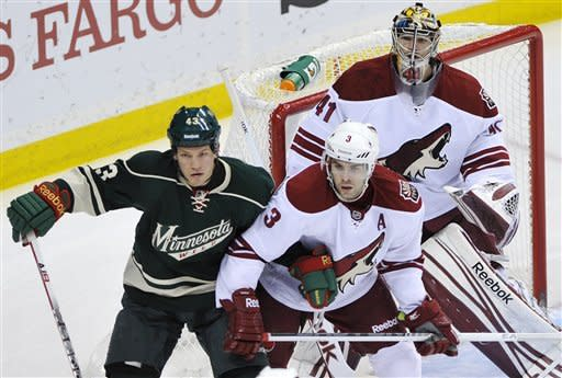 Coyotes beat Wild 4-1 to win 1st division crown