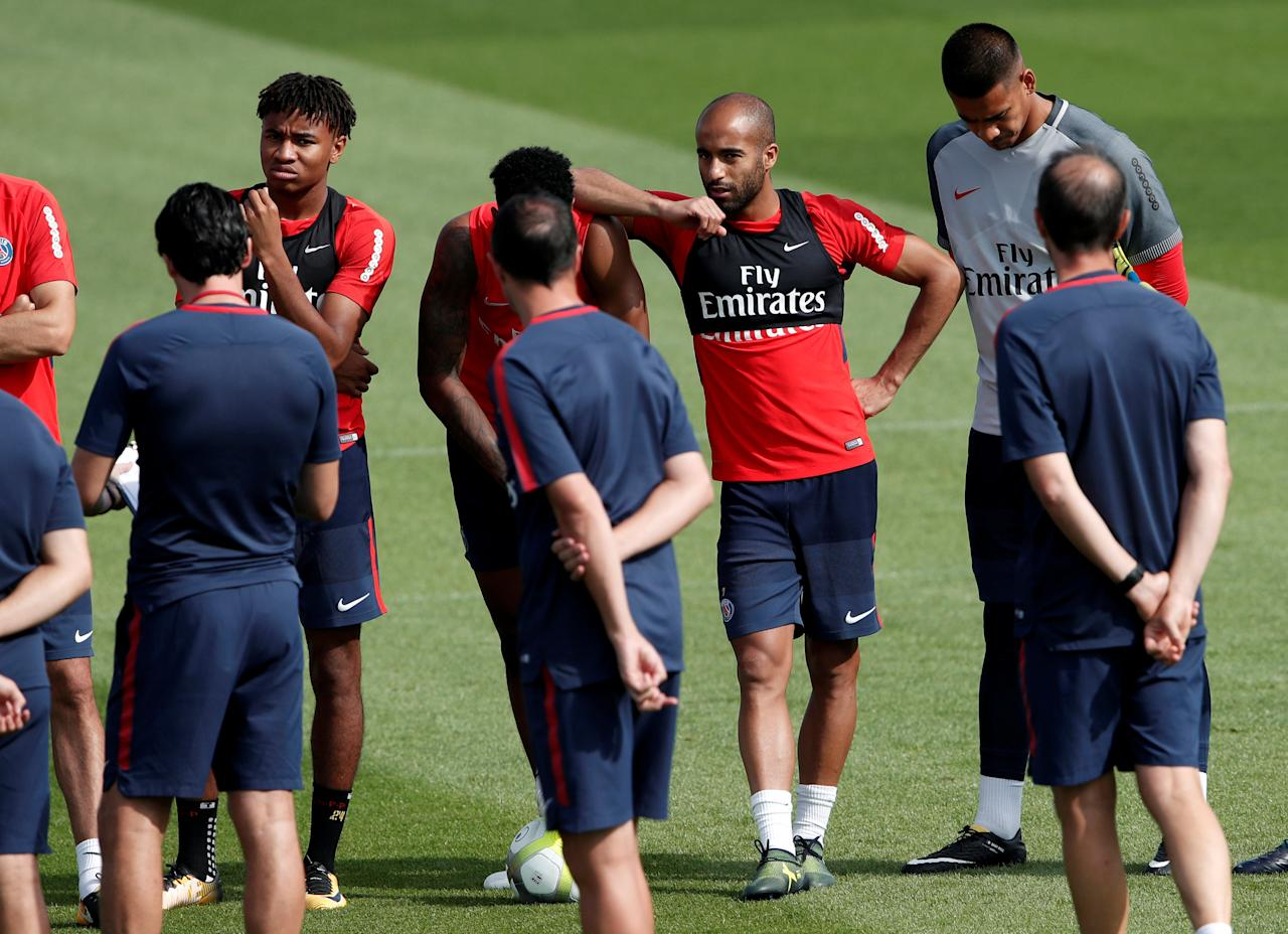 Soccer Football - Paris St Germain - Training - Paris, France - August 23, 2017   Paris St Germain's Lucas Moura and teammates during training   REUTERS/Benoit Tessier