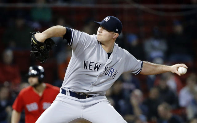 "Zach Britton is returning to the <a class=""link rapid-noclick-resp"" href=""/mlb/teams/nyy"" data-ylk=""slk:New York Yankees"">New York Yankees</a> on a reported three-year, $40 million deal. (AP)"