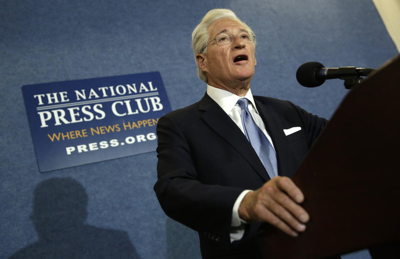 <p>President Donald Trump's personal attorney, Marc Kasowitz, speaks to the news media after the congressional testimony of former FBI Director James Comey, at the National Press Club in Washington, June 8, 2017. (Photo: Yuri Gripas/Reuters) </p>