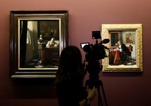<p>'Girl with Pearl Earring' to undergo public examination</p>