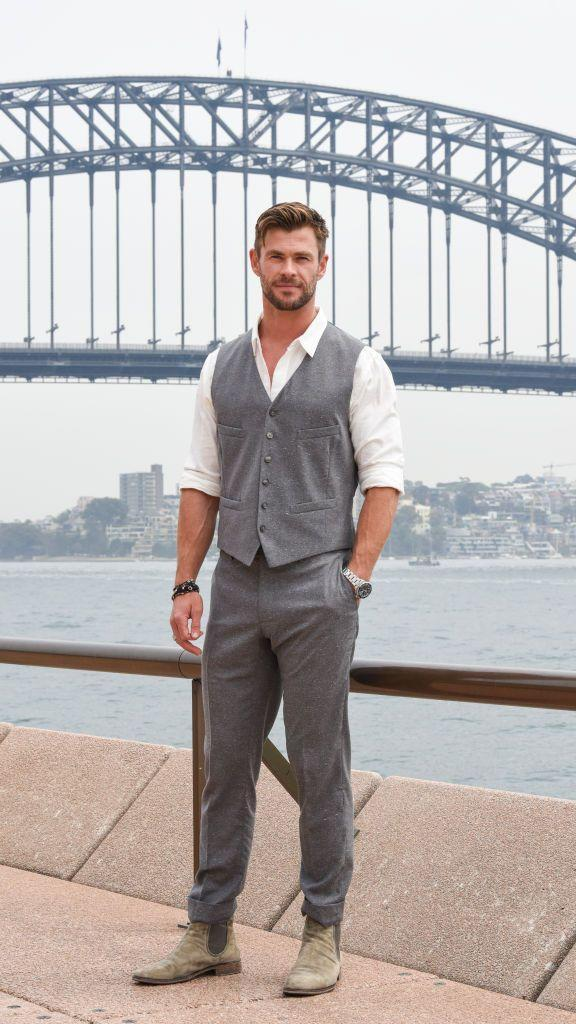 """<p>The <em>Thor</em> and <em>Extraction</em> star constantly needs to be in shape, which can be a challenge when you're always super busy filming. But that's all incorporated into Hemsworth's fitness routine, according to his long-time trainer, Luke Zocchi. """"My training philosophy with Chris is to train in the most effective way possible,"""" he told <em><a href=""""https://www.menshealth.com/fitness/a25298524/chris-hemsworth-mib-workout/"""" rel=""""nofollow noopener"""" target=""""_blank"""" data-ylk=""""slk:Men's Health"""" class=""""link rapid-noclick-resp"""">Men's Health</a>,</em> """"because he's always pushed for time."""" </p><p><a class=""""link rapid-noclick-resp"""" href=""""https://www.youtube.com/watch?v=Kuv0xThzxrU&t=99s"""" rel=""""nofollow noopener"""" target=""""_blank"""" data-ylk=""""slk:Watch here"""">Watch here</a></p>"""
