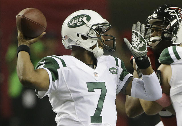 New York Jets quarterback Geno Smith (7) throws a pass against the Atlanta Falcons during the first half of an NFL football game, Monday, Oct. 7, 2013, in Atlanta. (AP Photo/John Bazemore)