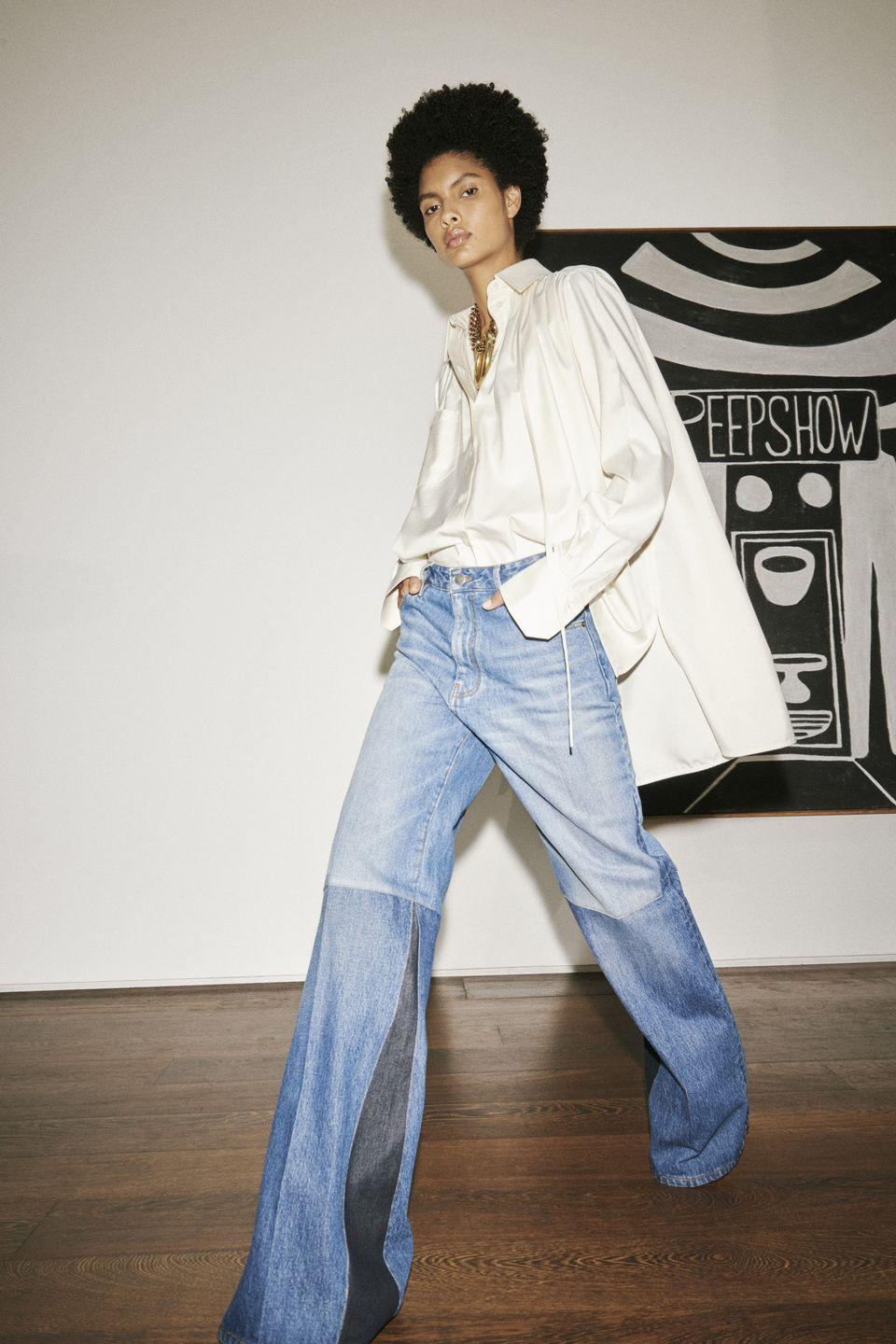 <p>Say bye to your skinny jeans (if you haven't already), because this year it's all about loose-fitting jeans. </p><p><em>Victoria Beckham</em></p>