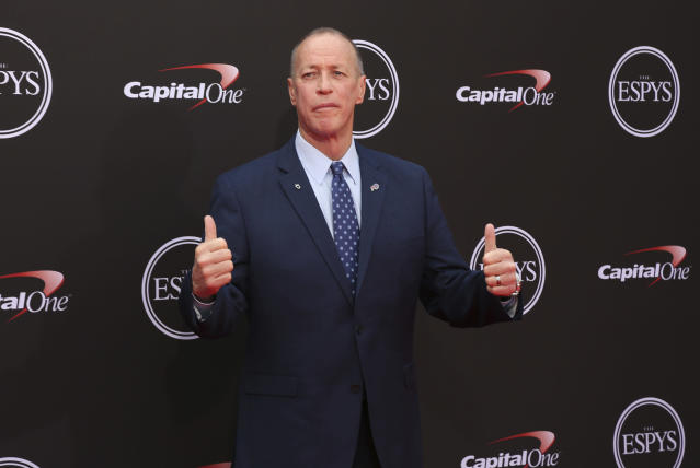 Hall of Famer Jim Kelly and three other players will serve as captains for the 2019 Pro Bowl. (AP)