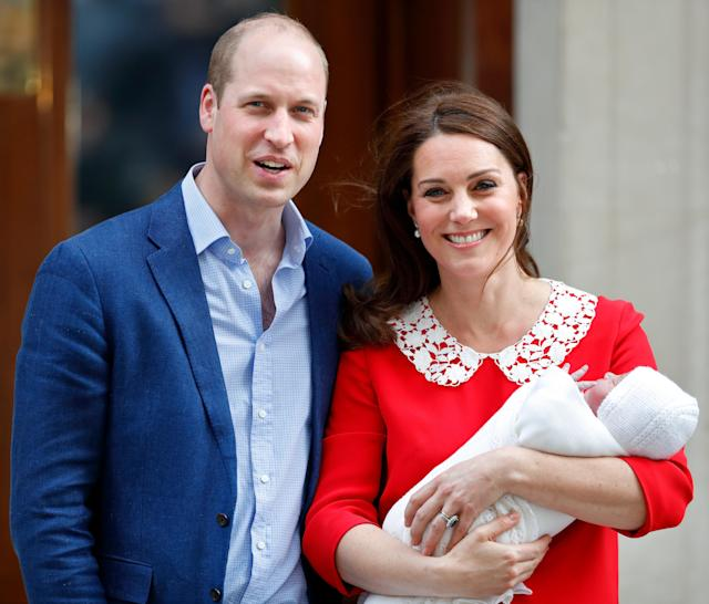 Prince William, Duke of Cambridge and Catherine, Duchess of Cambridge depart the Lindo Wing with their newborn son at St Mary's Hospital on April 23, 2018 in London, England. The Duchess safely delivered a boy at 11:01 am, weighing 8lbs 7oz, who will be fifth in line to the throne. (Photo by Chris Jackson/Getty Images)