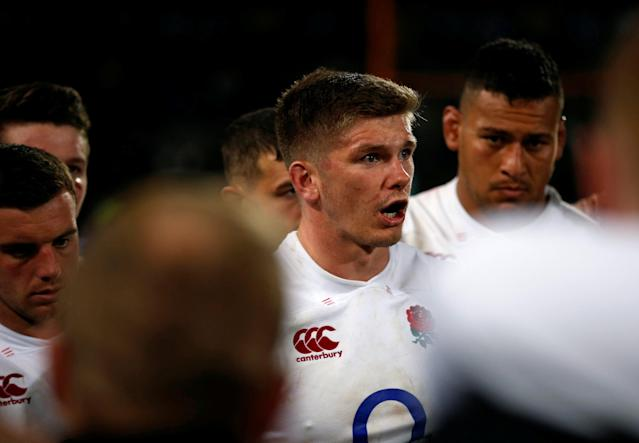 Rugby Union - Second Test International - South Africa v England - Free State Stadium, Bloemfontein, South Africa - June 16, 2018. England's captain Owen Farrell talks to his team mates after loosing to South Africa. REUTERS/Siphiwe Sibeko