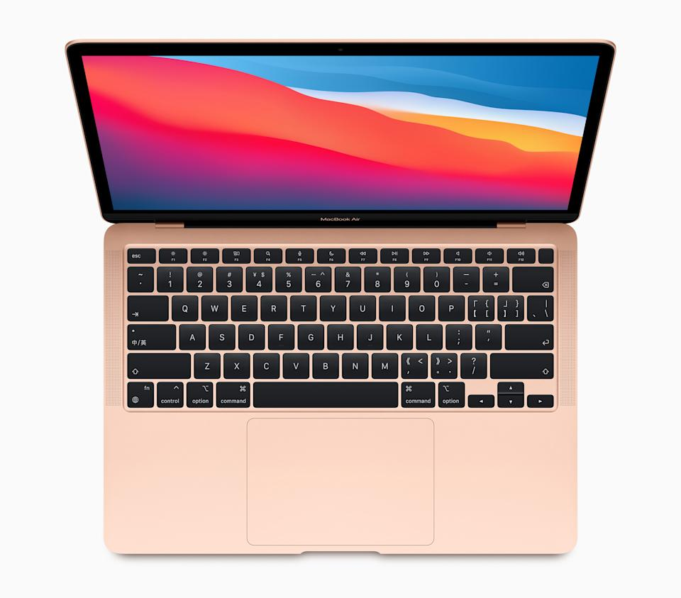 The new M1-powered MacBook Air offers 5 times the graphics performance of the previous generation Air. (Image: Apple)