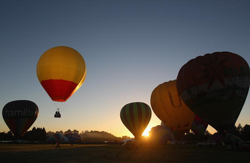 Treat a loved one to an unforgettable hot air balloon ride. [Photo: Getty]