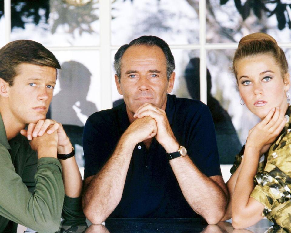 <p>Henry Fonda poses with his children, Peter and Jane, circa 1963.</p>