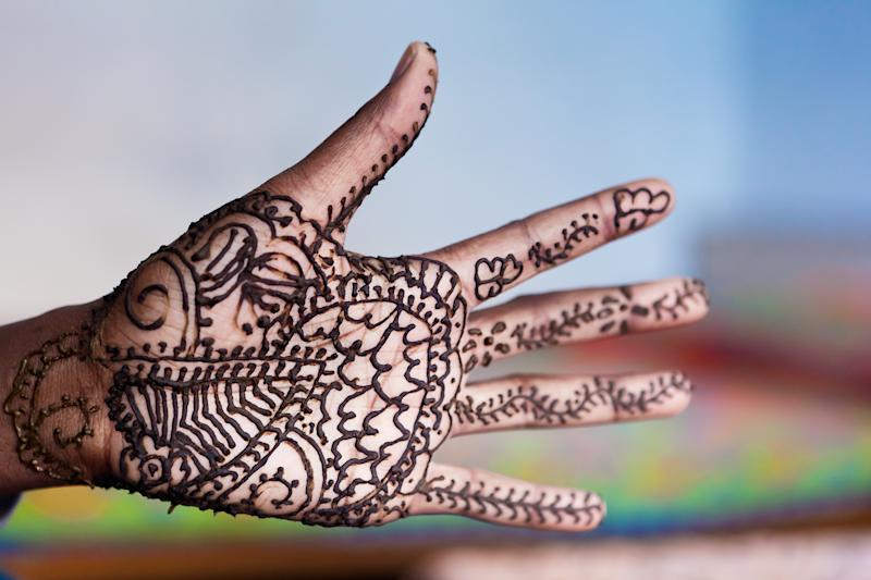 Traditional henna tattoos are safe and temporary, unlike black henna tattoos, which can be extremely harmful. Source: Getty Images.