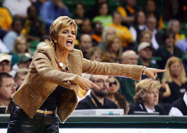 Baylor coach Kim Mulkey call in an offensive play against Mississippi in the first half of an NCAA college basketball game, Wednesday, Dec. 18, 2013, in Waco, Texas. (AP Photo/Waco Tribune Herald, Rod Aydelotte)