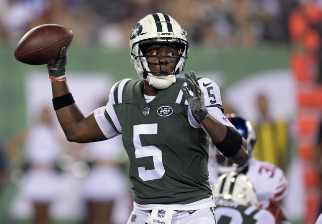 FILE - In this Friday, Aug. 24, 2018 file photo, New York Jets quarterback Teddy Bridgewater (5) passes against the New York Giants during the third quarter of a preseason NFL football game in East Rutherford, N.J. A person familiar with the situation says the New Orleans Saints have agreed to acquire veteran quarterback Teddy Bridgewater from the New York Jets for a draft pick, Wednesday, Aug. 29, 2018. (AP Photo/Bill Kostroun, File)