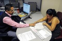 Obamacare buyers: Young and female, with pricey taste