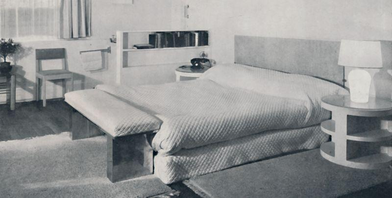 <p>Chrome finishes and sculpted side tables? Modern decor took a futuristic turn in the '60s that doesn't hold up today. </p>