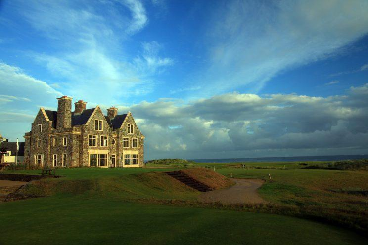 The par 4, 18th hole and the lodge and clubhouse at Doonbeg Golf Club in 2010 in Doonbeg, County Clare, Ireland. (Photo: David Cannon/Getty Images)