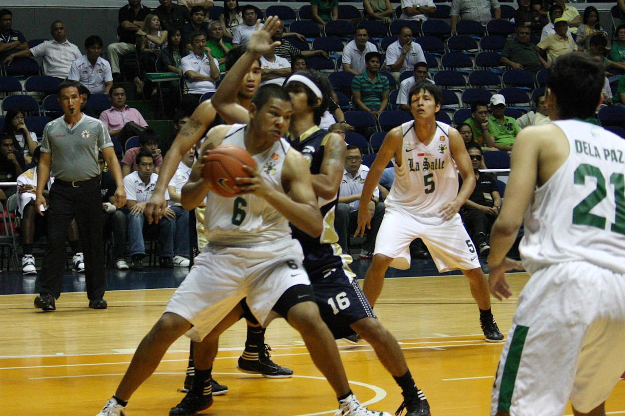 Norbert Torres of DLSU during the UAAP Season 74 basketball game against National Univeristy Bulldogs held at Smart Araneta Coliseum in Quezon City. (Marlo Cueto/NPPA Images)