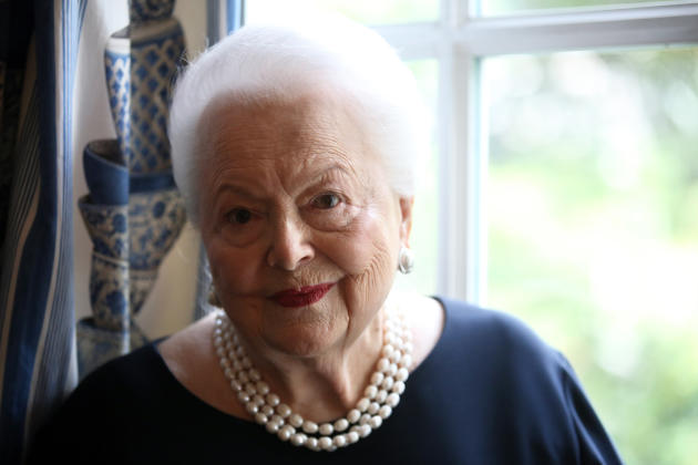 Tributes to 'daughter of Guernsey' Olivia de Havilland, who's died at 104
