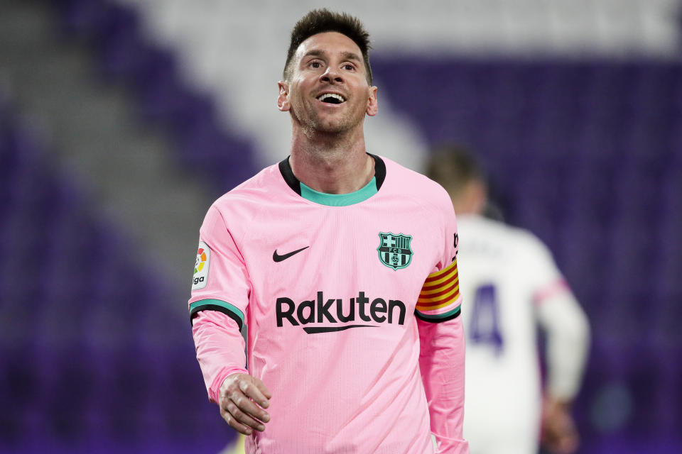 , SPAIN - DECEMBER 22: Lionel Messi of FC Barcelona during the La Liga Santander  match between Real Valladolid v FC Barcelona on December 22, 2020 (Photo by David S. Bustamante/Soccrates/Getty Images)
