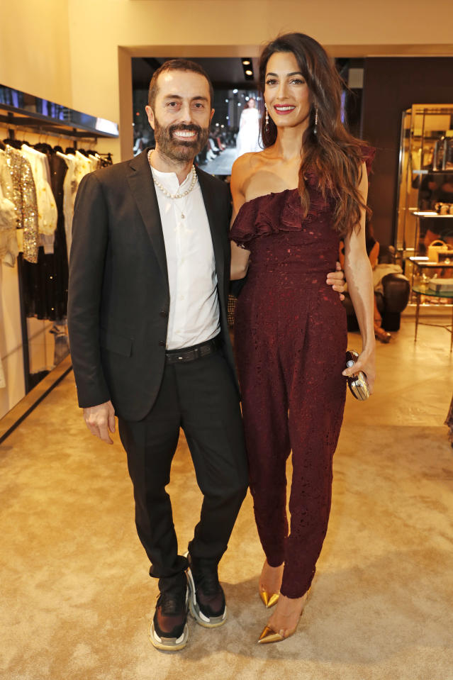 Amal Clooney helped designer Giambattista Valli celebrate his store opening. (Photo: David M. Benett/Dave Benett/Getty Images for Giambattista Valli )