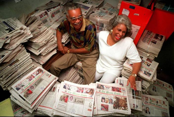 Garth C. Reeves, publisher emeritus, and his daughter, Rachel Reeves, the publisher of The Miami Times, as the newspaper celebrated its 75th birthday in 1998.