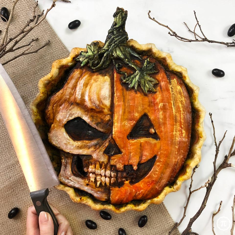 skull pumpkin pie