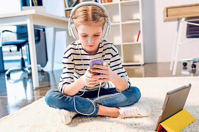 Alert: concentrating on a small screen for hours can damage a child's eyes: Alamy