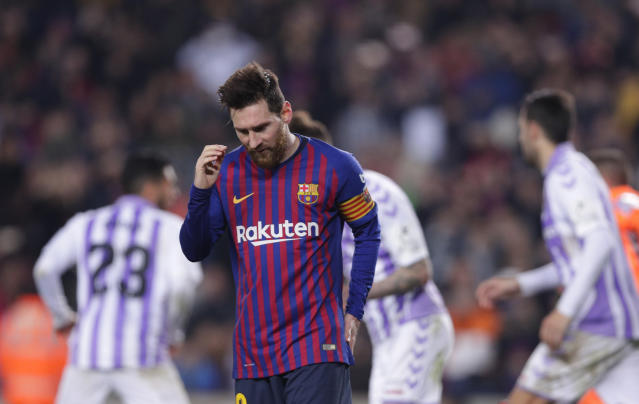 """<a class=""""link rapid-noclick-resp"""" href=""""/soccer/players/372884/"""" data-ylk=""""slk:Lionel Messi"""">Lionel Messi</a> scored again, but <a class=""""link rapid-noclick-resp"""" href=""""/soccer/teams/barcelona/"""" data-ylk=""""slk:Barcelona"""">Barcelona</a> hasn't looked great with <a class=""""link rapid-noclick-resp"""" href=""""/soccer/teams/real-madrid/"""" data-ylk=""""slk:Real Madrid"""">Real Madrid</a> breathing down its neck. (AP)"""