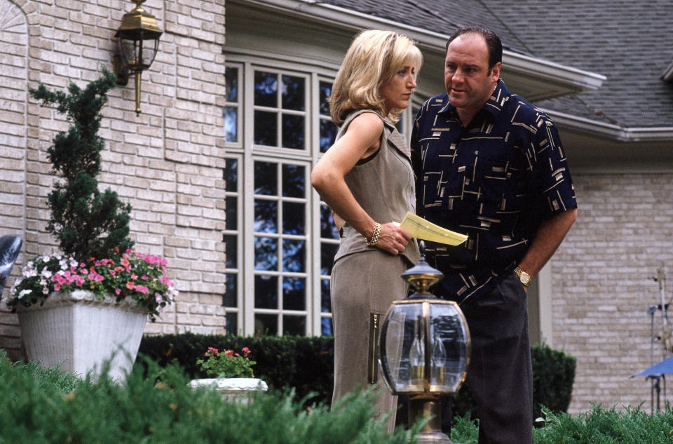The Sopranos Season 1 – Edie Falco as Carmela Soprano and James Gandolfini as Tony Soprano (Home Box Office Inc. All Rights Reserved. Ron Batzdorff)