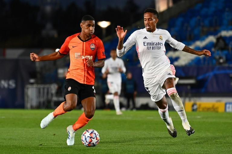 Eder Militao (L) played the full game in the loss to Shakhtar Donetsk