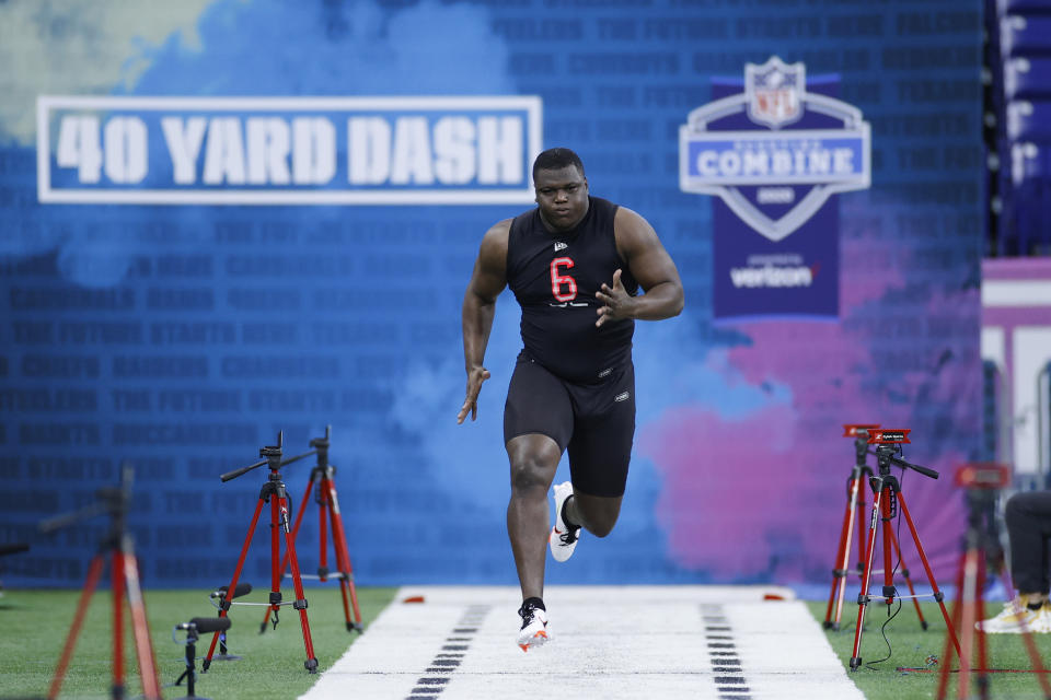 Defensive lineman Marlon Davidson of Auburn runs the 40-yard dash during the NFL combine at Lucas Oil Stadium in Indianapolis on Feb. 29, 2020. (Joe Robbins/Getty Images)