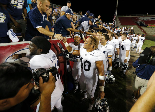 Edwin Jackson (40) went from walk-on to two-year starter at Georgia Southern before moving on to the NFL. He died Feb. 4 in a car crash. (AP Photo/Mike Kittrell, AL.com)