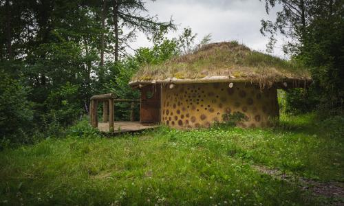 Woodsmoke and wonder: finding calm on an off-grid glamping trip
