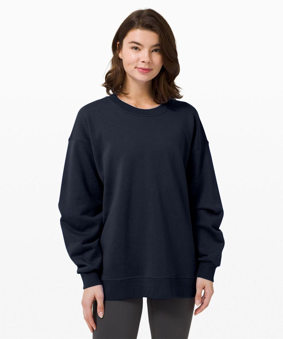 """<p><strong>Lululemon</strong></p><p>lululemon.com</p><p><strong>$108.00</strong></p><p><a href=""""https://go.redirectingat.com?id=74968X1596630&url=https%3A%2F%2Fshop.lululemon.com%2Fp%2Fwomens-outerwear%2FPerfectly-Oversized-Crew%2F_%2Fprod9590058&sref=https%3A%2F%2Fwww.redbookmag.com%2Flife%2Fg34631835%2Ffitness-gifts%2F"""" rel=""""nofollow noopener"""" target=""""_blank"""" data-ylk=""""slk:Shop Now"""" class=""""link rapid-noclick-resp"""">Shop Now</a></p><p>An oversized crew sweatshirt is the perfect piece of athleisure to throw on after a workout during the colder months. This Lululemon option is super soft and cozy, with a longer length meant to be worn with tight leggings. It's great for the gym, but also just makes a comfy everyday item as well. </p>"""