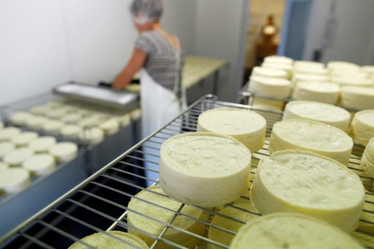 The US has threatened to impose ruinous duties on French imports of such emblematic goods as Champagne and Camembert cheese in the dispute over taxing tech giants